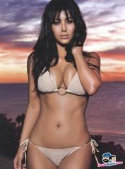 Kim Kardashian grassa; prova costume 2013... fallita!!